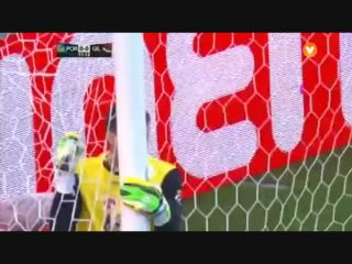 Porto 2-0 Gil Vicente - Golo de J. Martínez (12min)